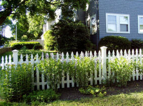 How To Building A Picket Wood Fence America S Fence Store
